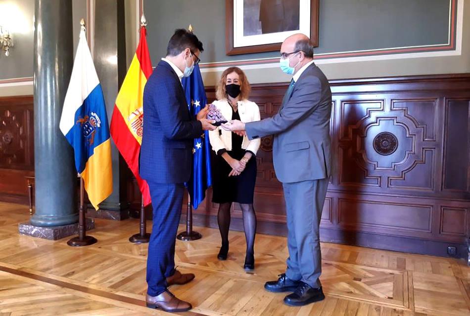 'Aguas La Palma' recibe el Premio 'Meninas 2020' por su campaña contra la violencia de género